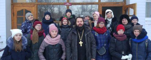 Христославы поздравили прихожан храма с Рождеством Христовым