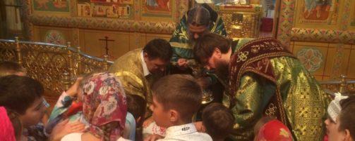 Настоятель Свто-Троицкого храма совершил Божественную литургию в день своего Тезоименитства